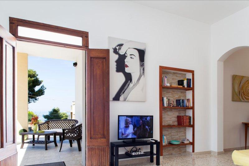 entrance, living room