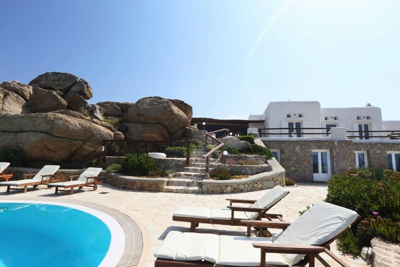 BlueVillas | Villa Grand Paradiso | Private pools close to Super Paradise Beach, vacation rental in Mykonos Town