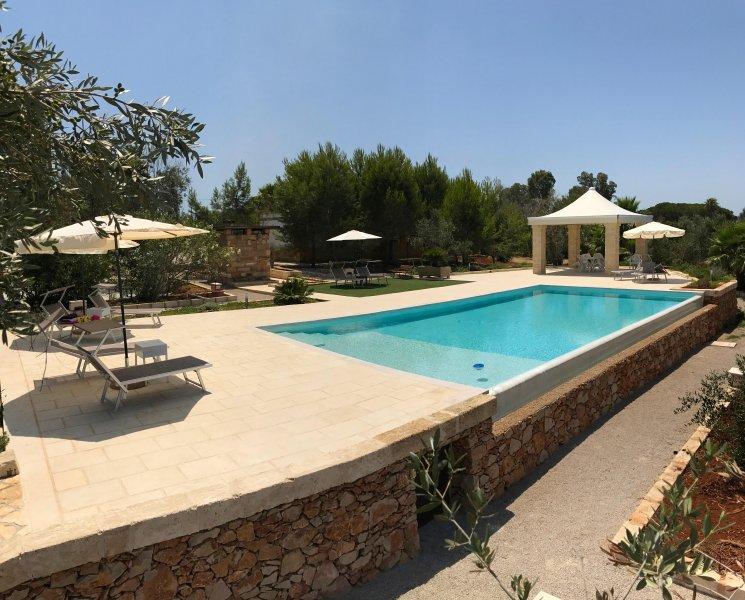 WHITE POOL Matino - Gallipoli (7pl), aluguéis de temporada em Matino