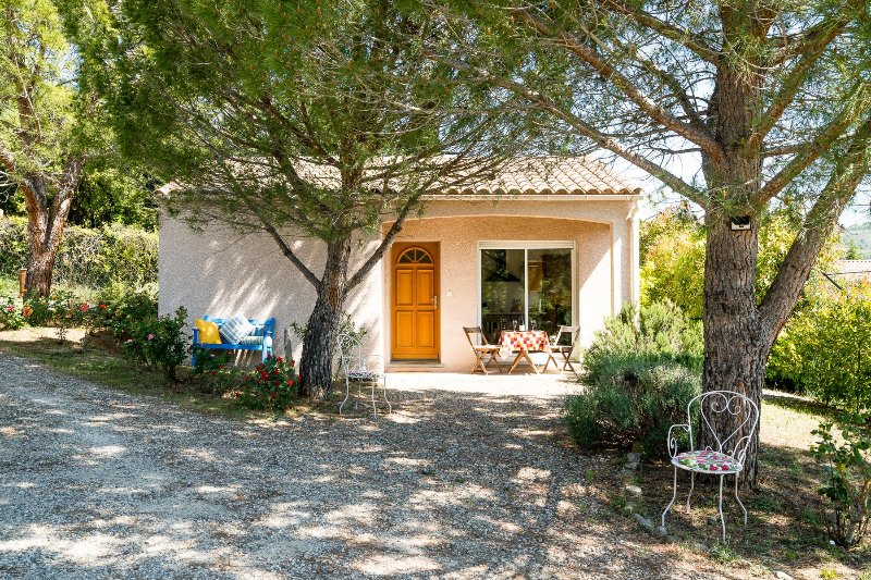 Les Trois Pins - Relax in comfort & style in the beautiful Aude valley, holiday rental in Magrie