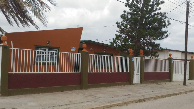 Aruba Tranquility Haven Sutton's Dwelling, vacation rental in Oranjestad