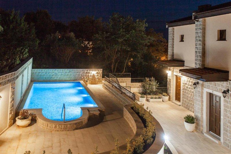 1-bedroom apartment on Kamenovo beach 6, holiday rental in Przno