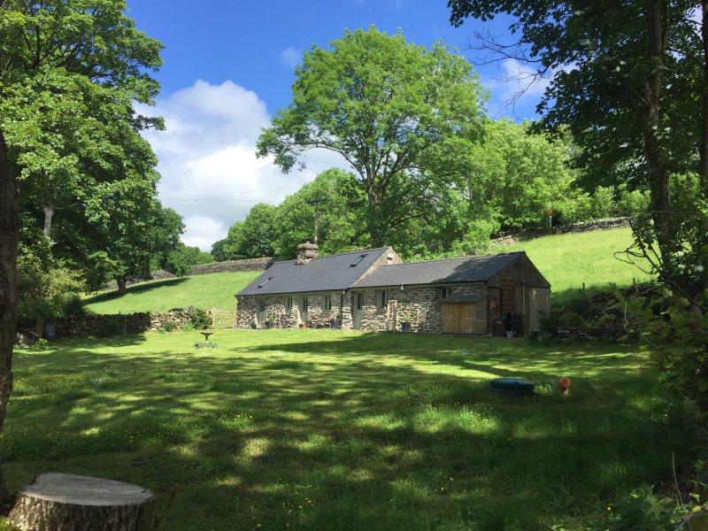 Glanrhyd Cottage, Betws Y Coed, idyllic riverside location, vacation rental in Betws-y-Coed