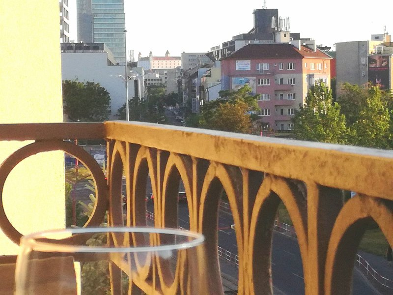 Stay in the center with great view from balcony, holiday rental in Bratislava