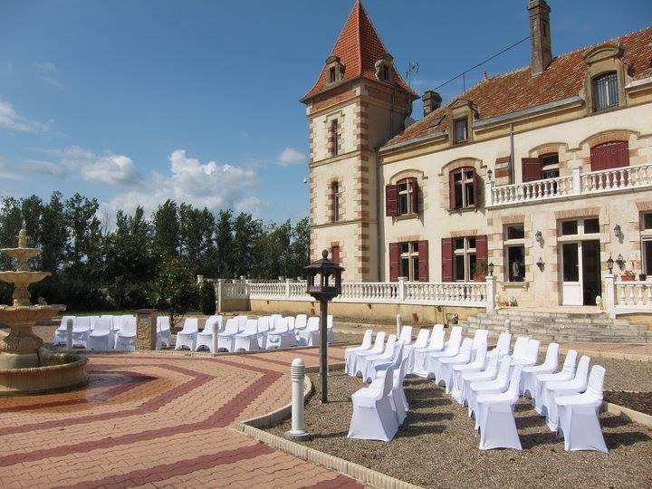 Appartement indépendant avec grand parc et piscine, holiday rental in Saint-Arroumex