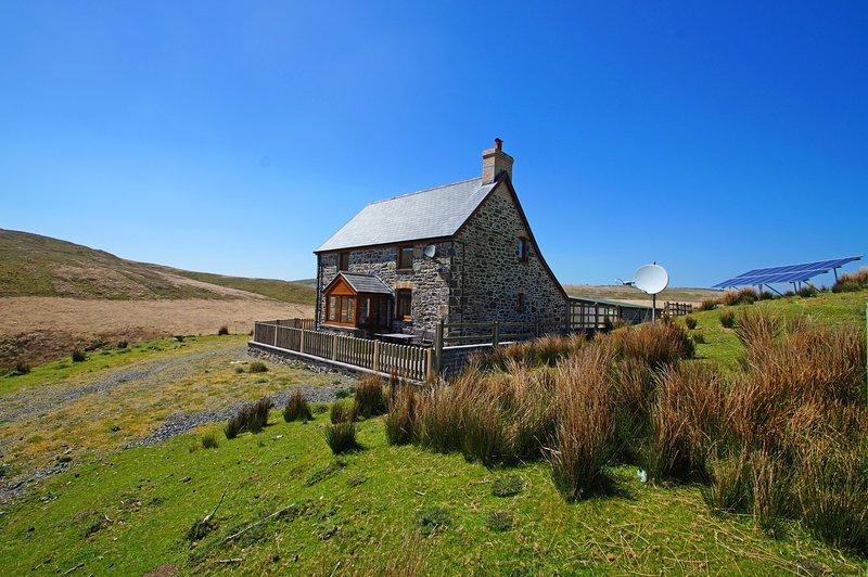 Remote cottage near Aberystwyth. Ty ar y Mynydd: 492516, location de vacances à Aberystwyth