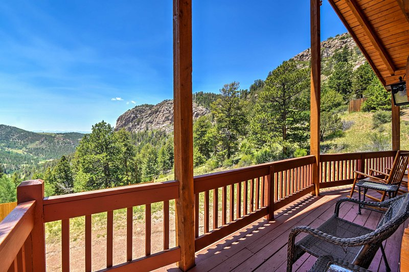 Gaze out at the Front Range views from your deck!