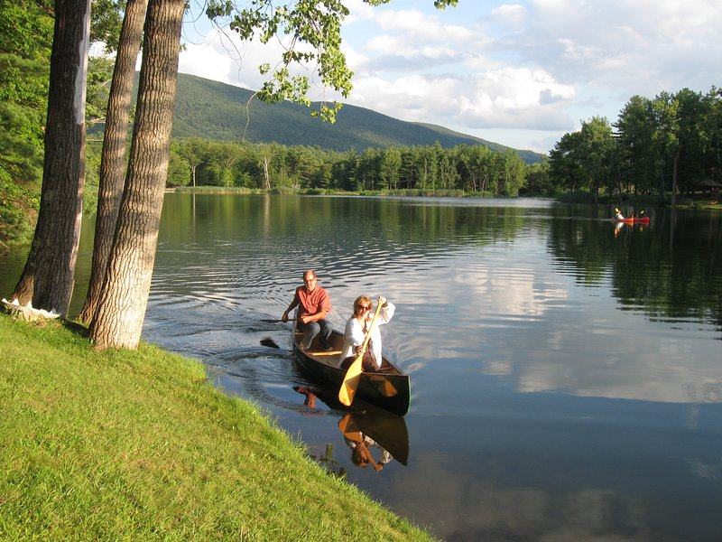 Lake House in Berkshires, vacation rental in Petersburg