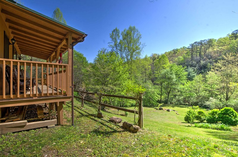Plan your next romantic getaway to 'Pine Leaf Cabin!'