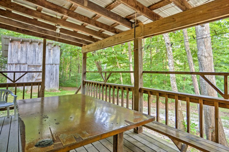 Rustic Taswell Cabin w/Wooded Views - Walk to Lake, holiday rental in West Baden Springs
