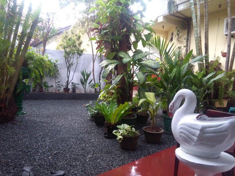 Mia's Villa Guest House, alquiler de vacaciones en Hikkaduwa