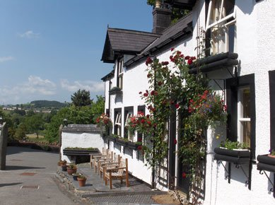 Located perfectly for all major attractions in North Wales. The Stables: 37202, vacation rental in Carrog