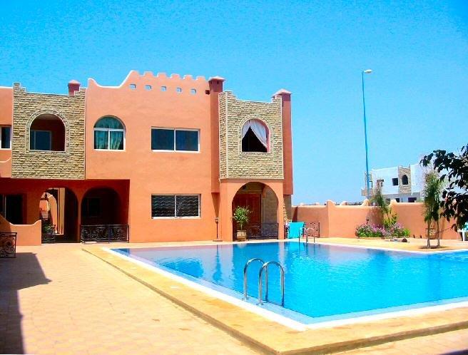 Appart avec terrasse sur piscine à Sidi Bouzid, holiday rental in El Jadida