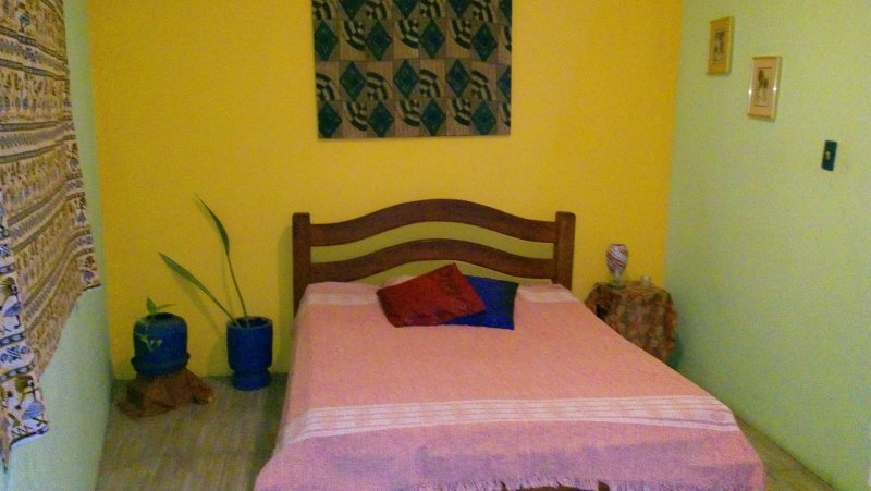 SALVADOR BAHIA BRAZIL: INSIDER EXPERIENCE ROOM RENTAL IN MY RESIDENCE, casa vacanza a Itaparica