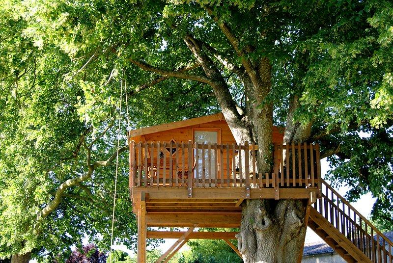 Cabane Duo dans les arbres, location de vacances à Prailles