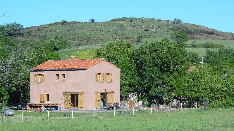 Maison individuelle dans un milieu de campagne, location de vacances à Le Bousquet d'Orb
