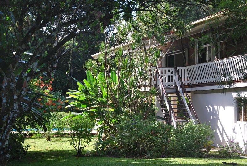 Chambre d'hôtes suite familiale, location de vacances à Petit-Bourg