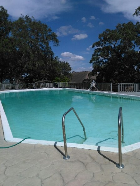 Shared pool with I house