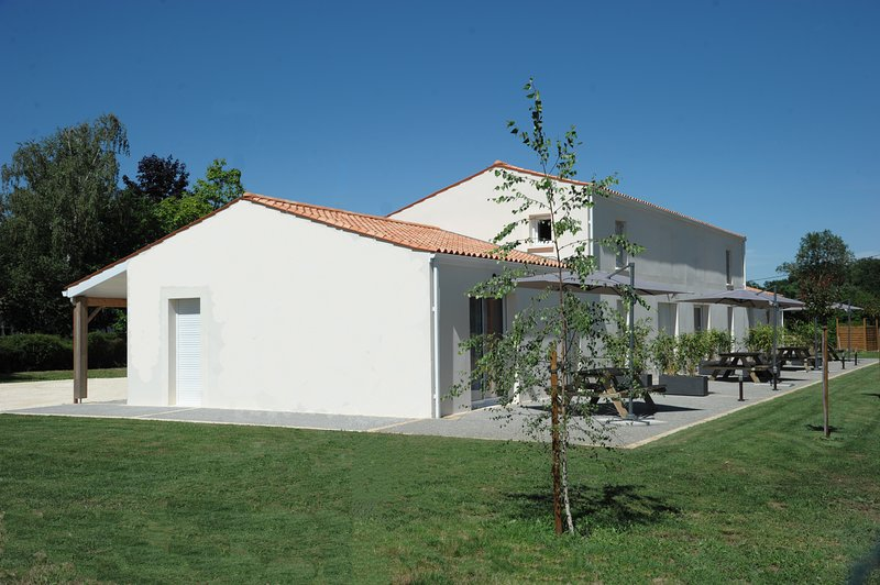 Gîte №1 Aix, vacation rental in Taillebourg