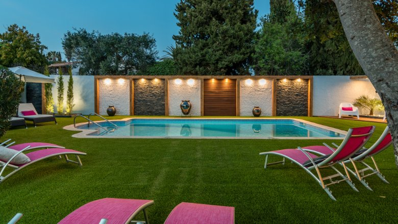Villa Rock Gardens Beautiful & Traditional Villa with Heated Swimming Pool, Ferienwohnung in Silves