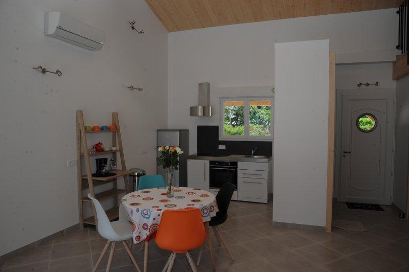 Gîte №2 Madame, vacation rental in Taillebourg