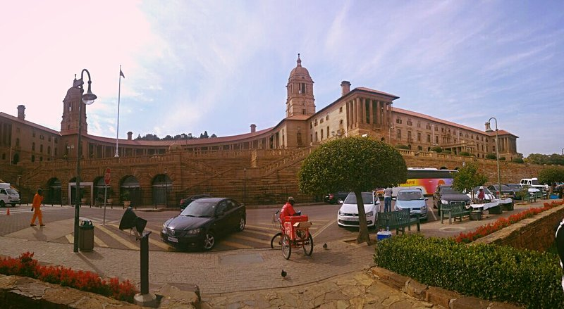 The Union buildings: you get souvenirs here African style