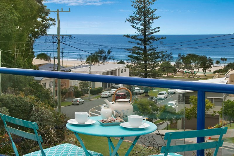 Seawoods * Currumbin - Currumbin Beachhouse, vacation rental in Currumbin