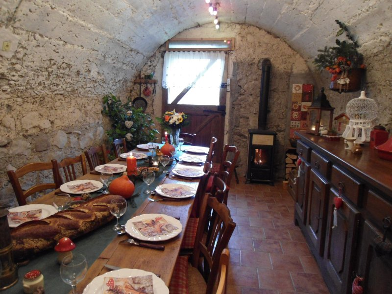 I propose a Savoyard meal on Saturday night on request € 20 per adult and € 10 per child