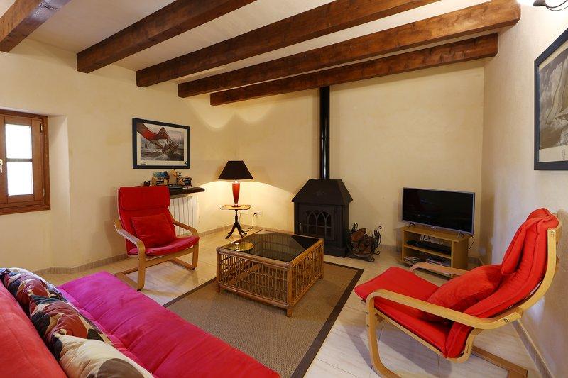 Casa en centro de Fornalutx para 4 personas., holiday rental in Sa Calobra