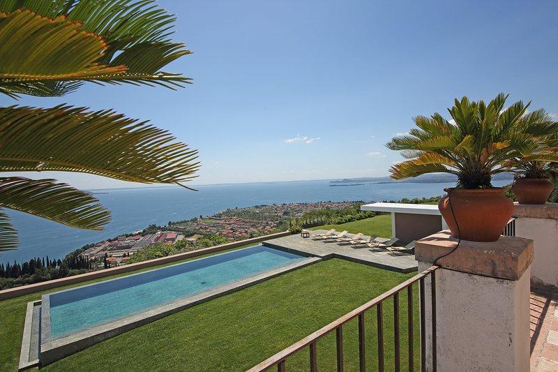 Villa Storica, holiday rental in Toscolano-Maderno