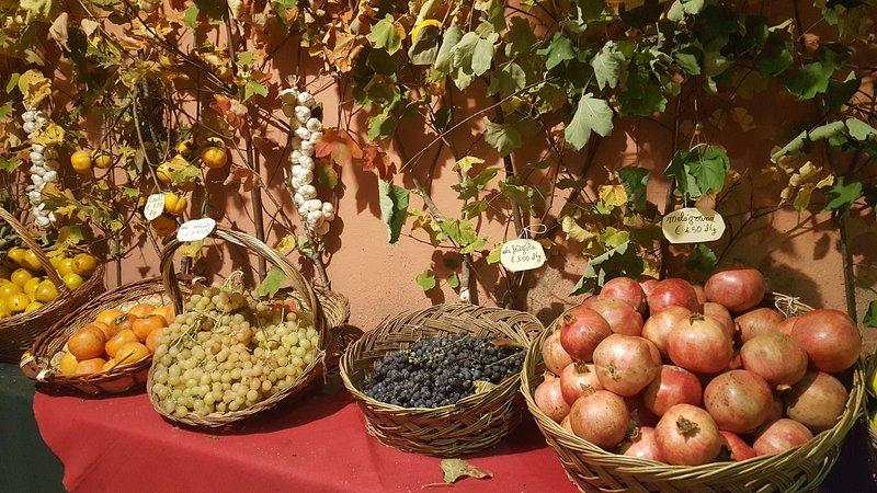 Frutta di autunno ad un festival locale