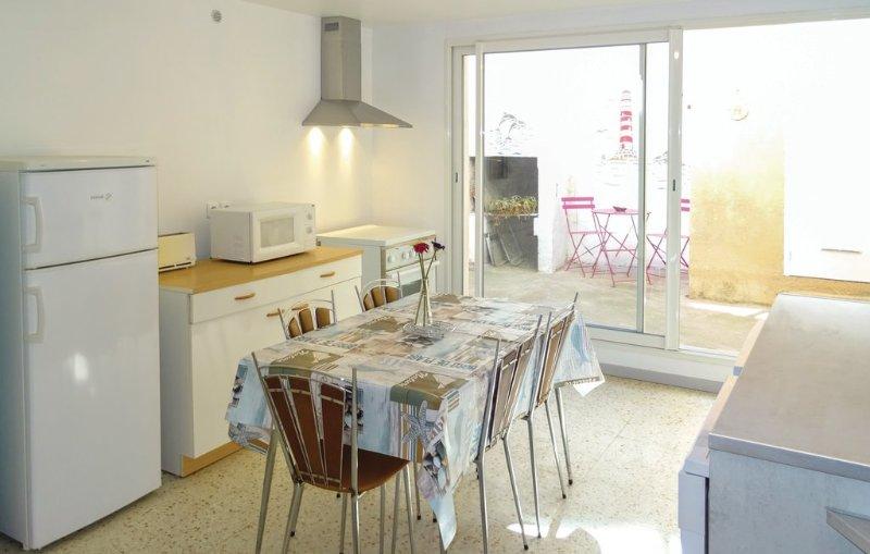 Chez Lulu, maison de village, holiday rental in Saint-Jean-de-Minervois