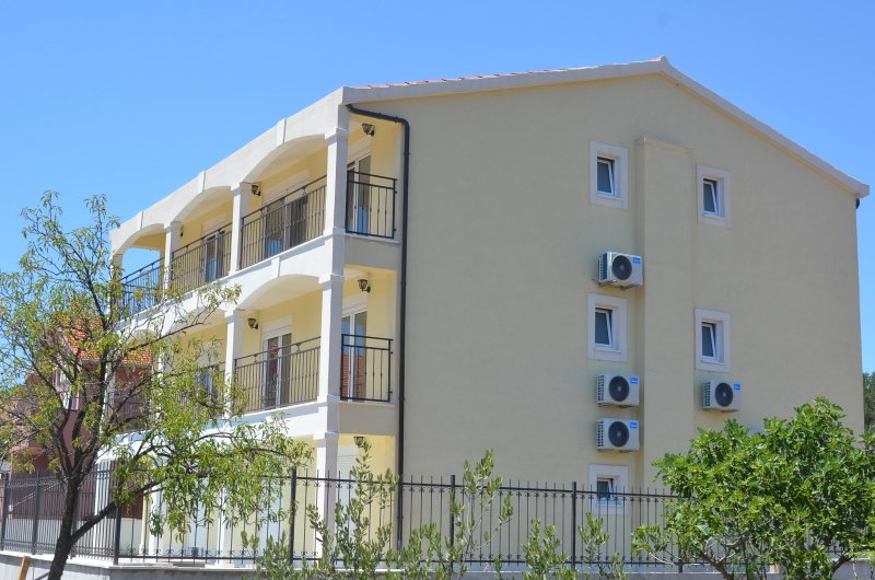 Apartments Neli, penthouse suite A7-Experience more, vacation rental in Vinisce