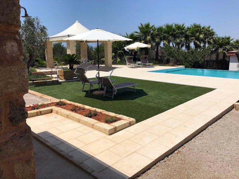 WHITE POOL Matino - Gallipoli (4pl), aluguéis de temporada em Matino