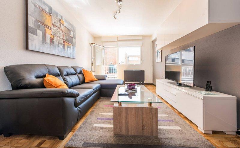 Modern and Comfortable Madrid Flat, location de vacances à Las Rozas