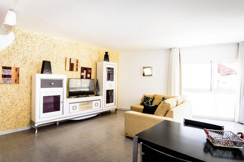 SOL MOGAN SUITES. Suite sin terraza con dos dormitorios, alquiler de vacaciones en Puerto de Mogán