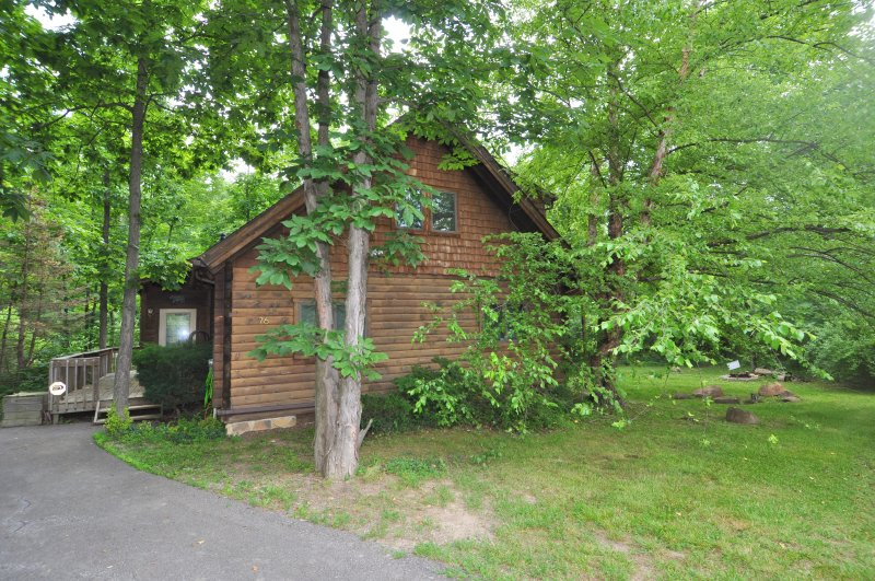 Welcome to Lazy Bear Retreat! A Sweet Escape Close to Cacapon State Park