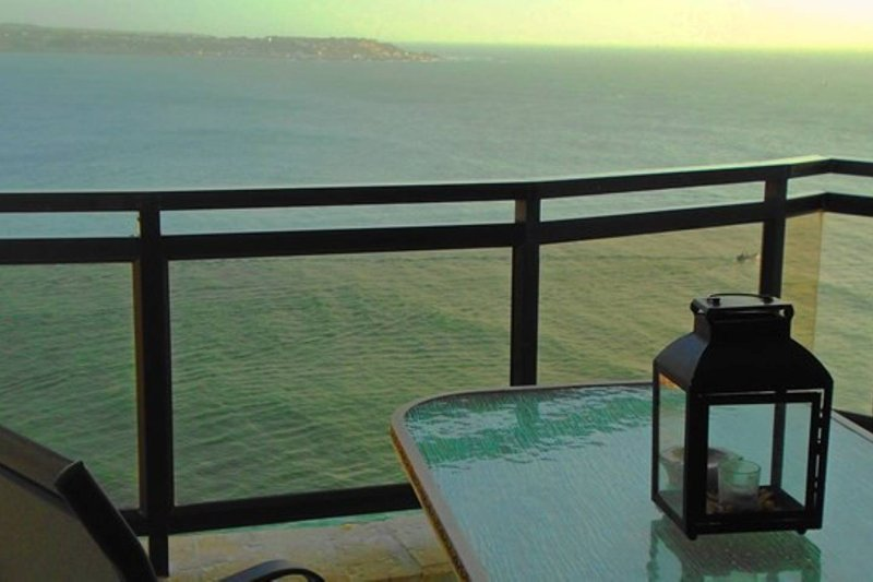 Spectacular Ocean View Vacation Suite, holiday rental in Bocachica