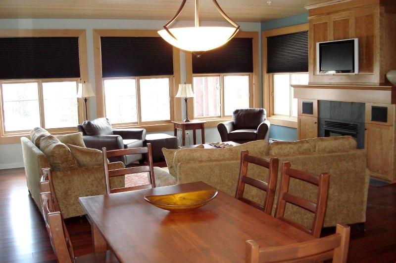 The platinum condo features elegant decor and modern furnishings