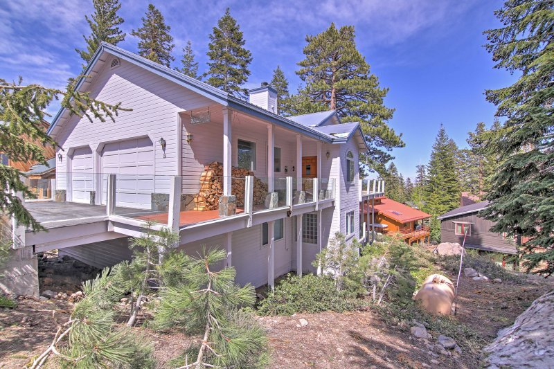 Nestled in a forested wood area and surrounded by beautiful mountains, this home is sure to give you the nature experience you desire.