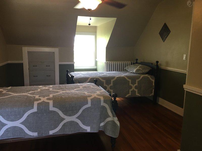 Chambre # 5 avec 2 lits jumeaux