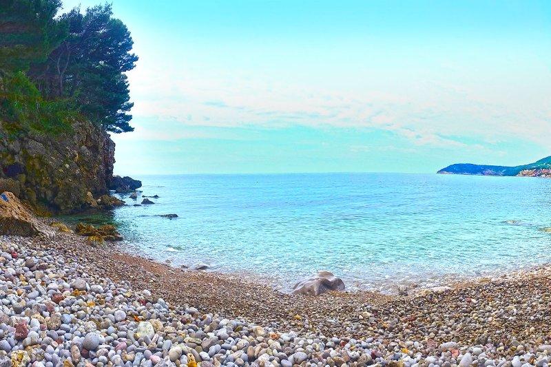 Uno dei pochi spiagge Ratac penisola, 50 metri di distanza