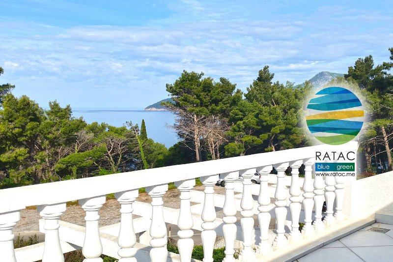 ECO RATAC PENTHOUSE sea view terrace three-room, holiday rental in Zagrade