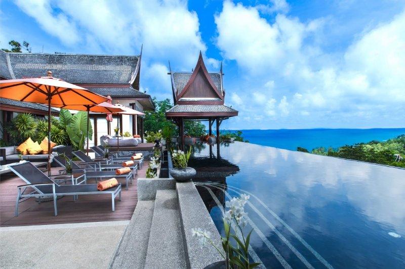 Luxury 10 Bedroom Sea View Villa in Surin, location de vacances à Bang Tao Beach