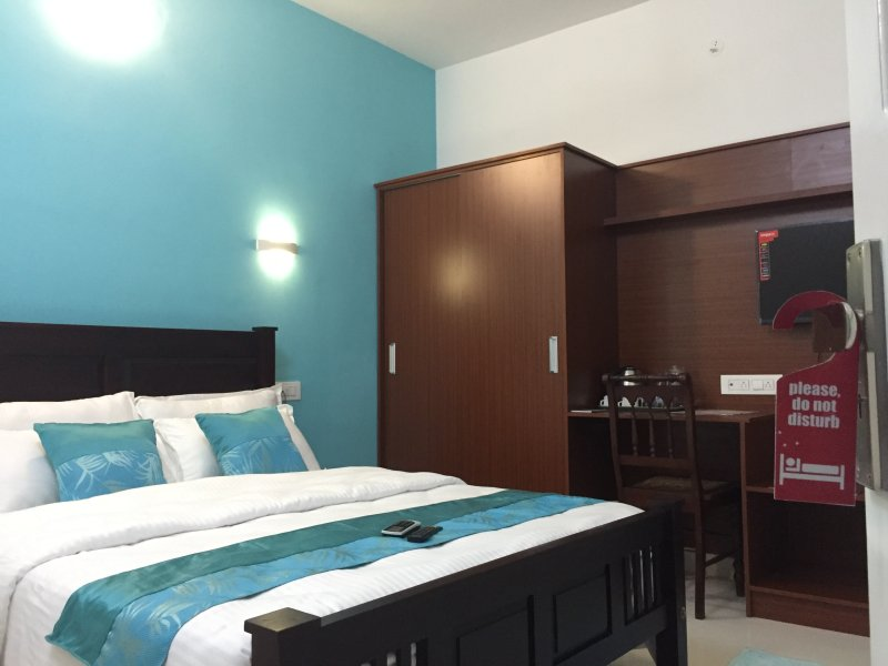 Rajivs Residence, Premium furnished apartment, holiday rental in Maradu