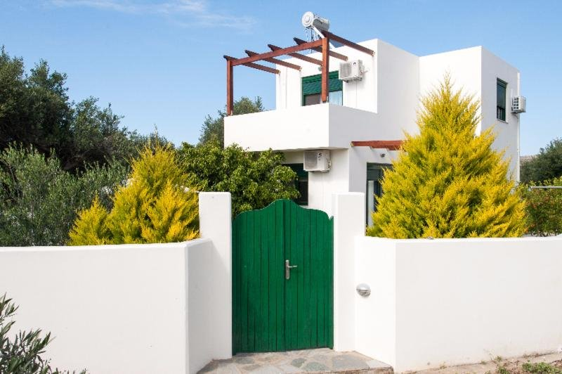 SUNNY  VILLA is  a  85sq .m  maisonette with 200sq.m  yard, holiday rental in Drapanias