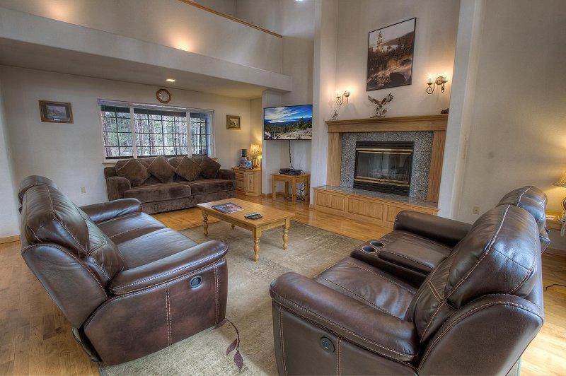 Canapé, meubles, cheminée, poêle, Salle à manger