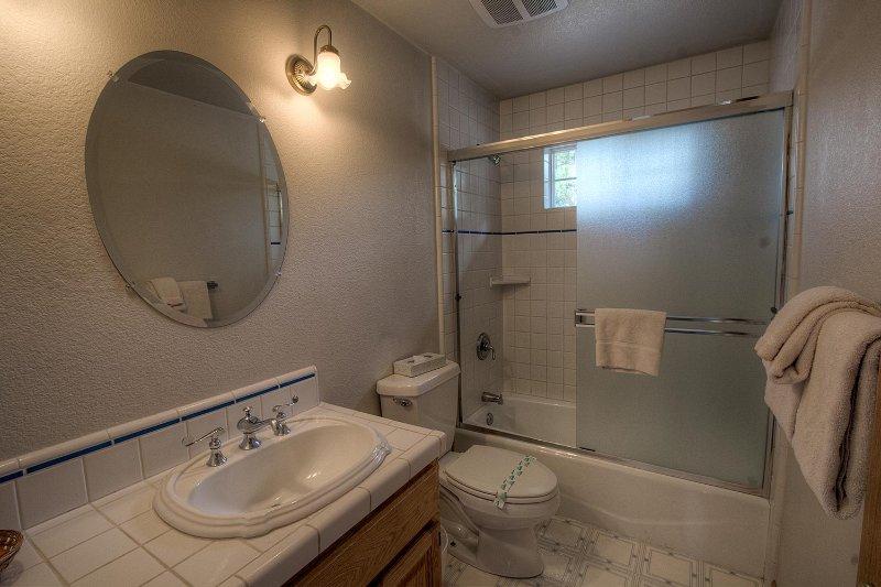 Toilettes, salle de bains, intérieur, Couverture, serviette