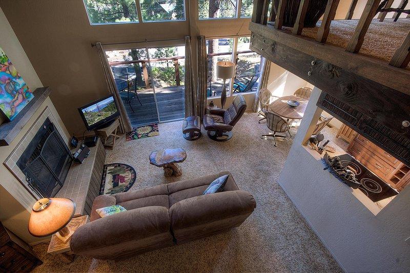 Couch, Mobilio, Sedia, Ambientazione interna, Soggiorno