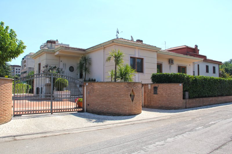 B&B Lady G, holiday rental in Veroli